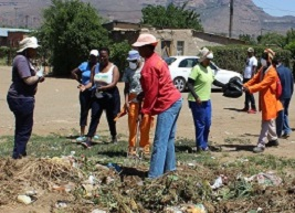 Mayor leading the Cleaning Campaign